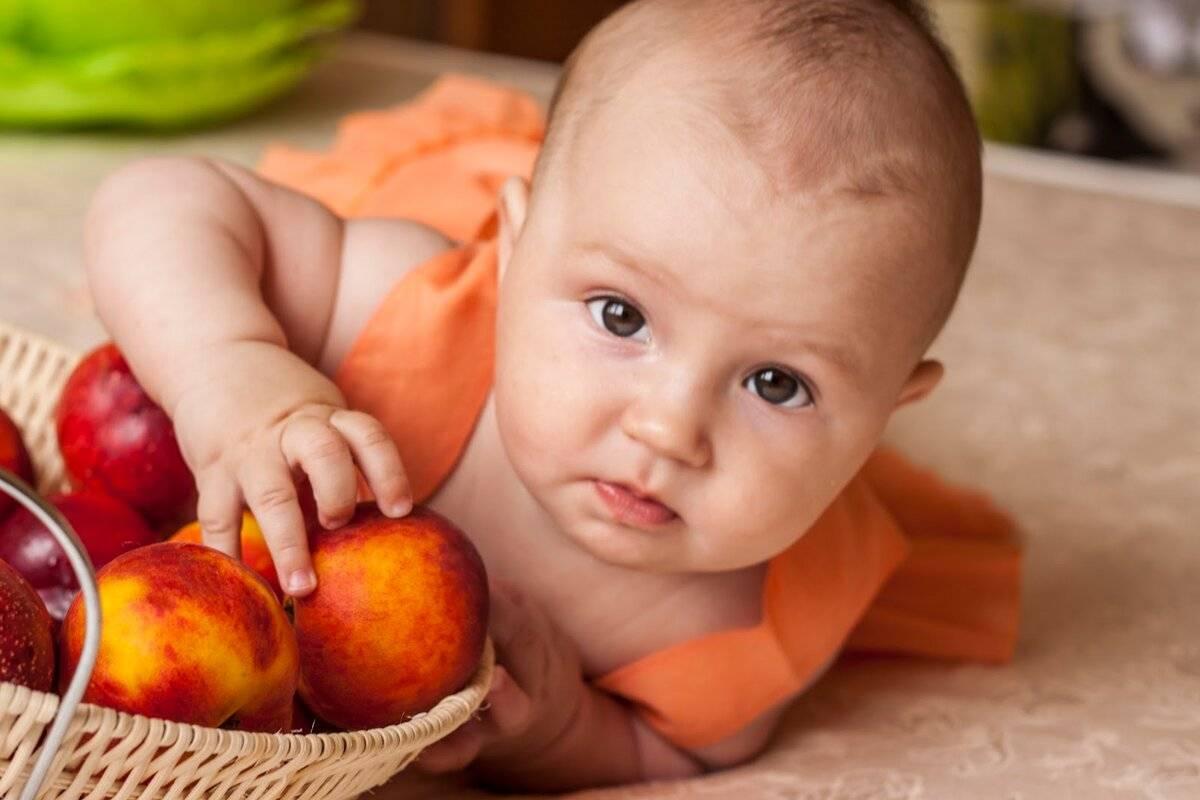 Можно ли во время грудного вскармливания употреблять персики?