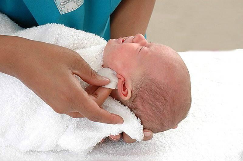 Что делать при сухости кожи у новорожденного