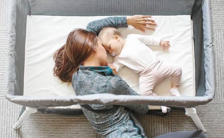 Как отучить ребенка спать на руках: 6 способов