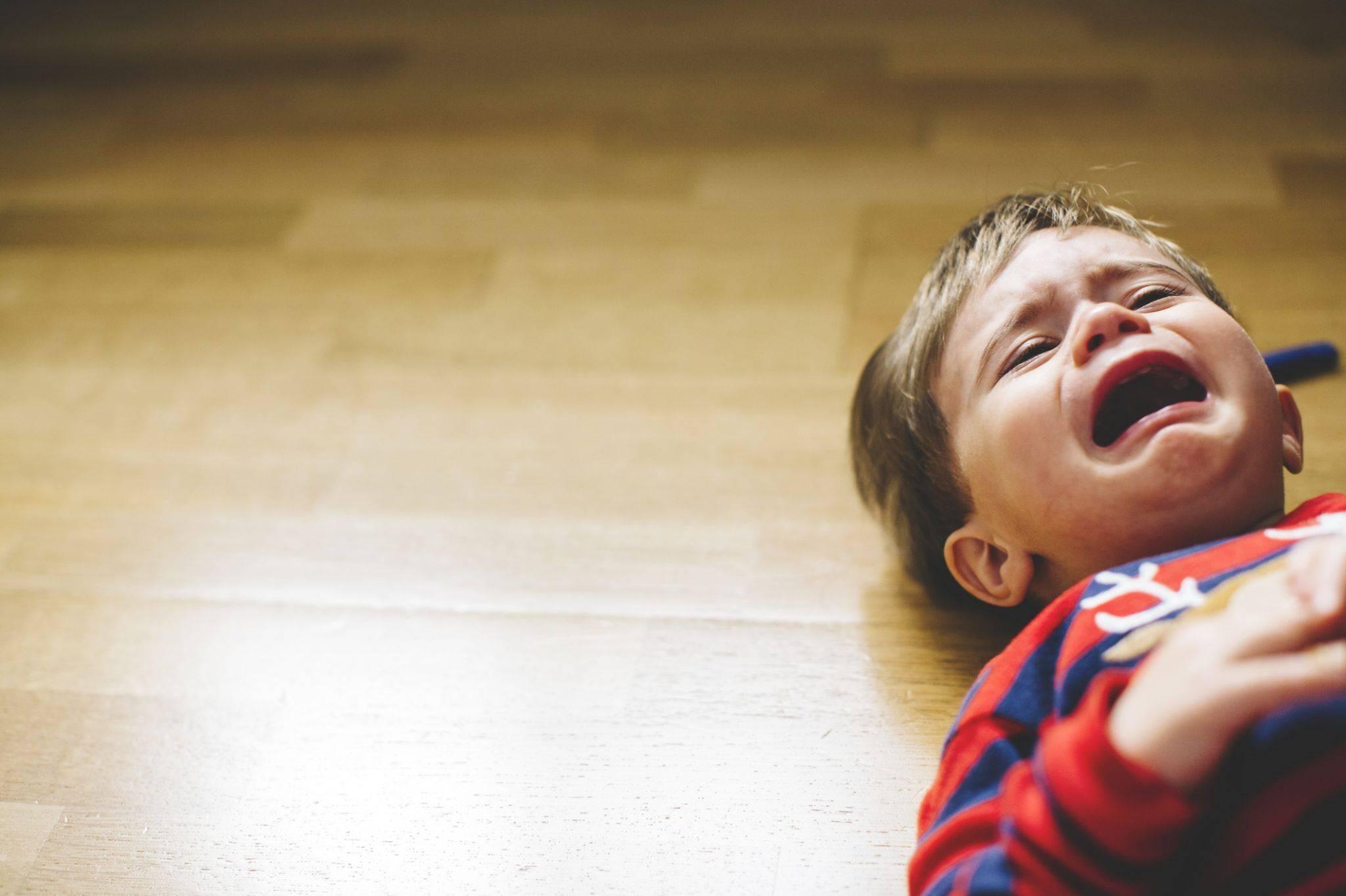 Как бороться с капризами ребенка в 1-2-3 года. как реагировать и что делать с капризами детей?
