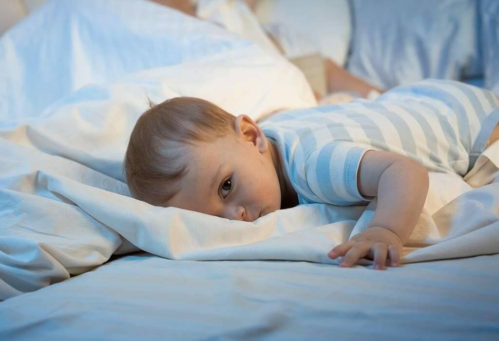 Что делать, если ребёнок просыпается ночью с плачем
