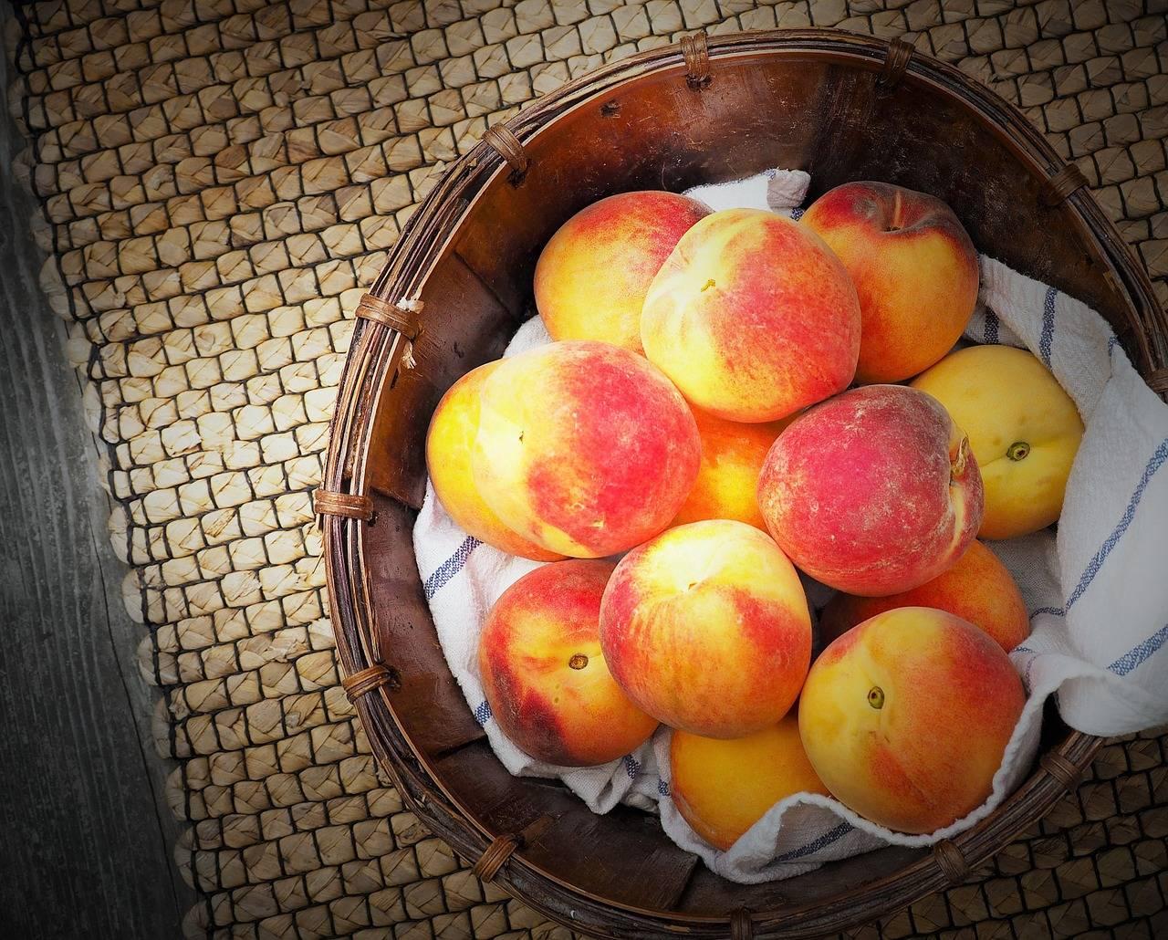 Можно ли кормящей маме персик и нектарин? - ✿ «всё для мамы»