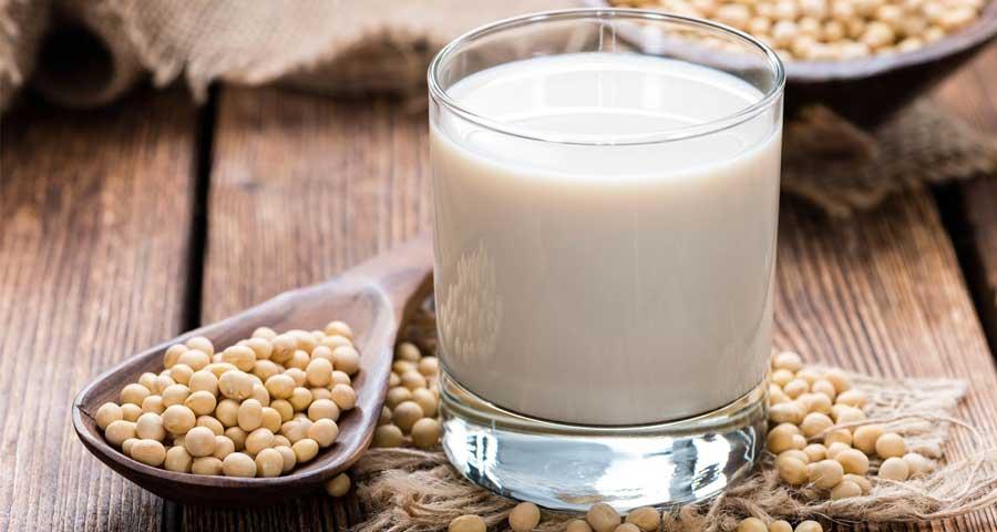 Соевое молоко польза и вред: состав, свойства, применение