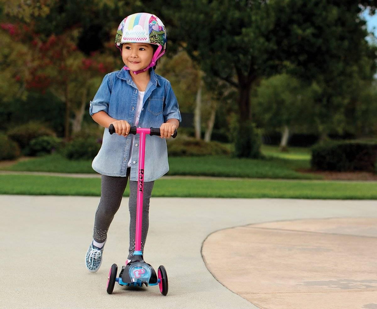 Как выбрать самокат для ребенка 3-4 лет? особенности детских трехколесных самокатов, рейтинг лучших двухколесных моделей