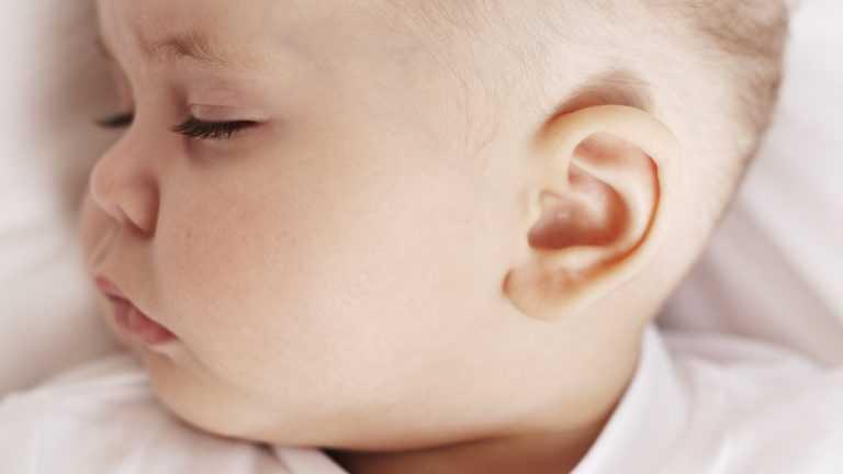 Заложенность уха - почему возникает и как избавиться от симптома?