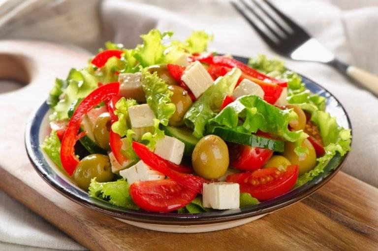 Салаты для кормящих мам: рецепты вкусных и полезных салатов (фото и видео)