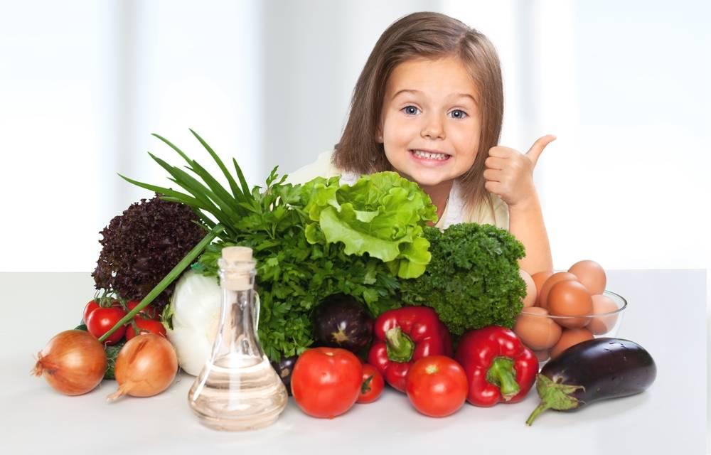 Как заставить ребенка есть овощи и фрукты