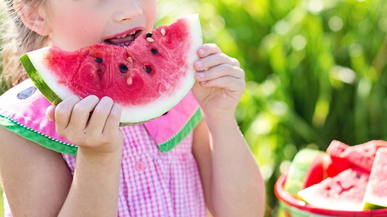 С какого возраста можно давать ребенку арбуз и дыню до года? - мытищинская городская детская поликлиника №4