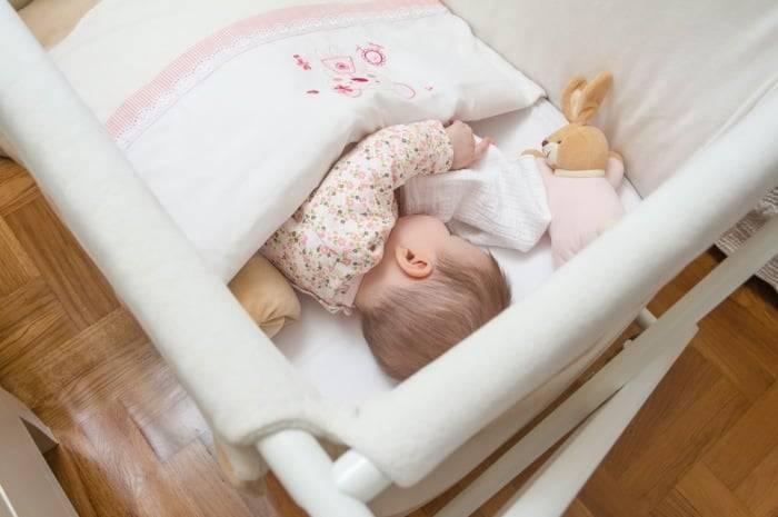 Нужно ли будить ребенка для кормления