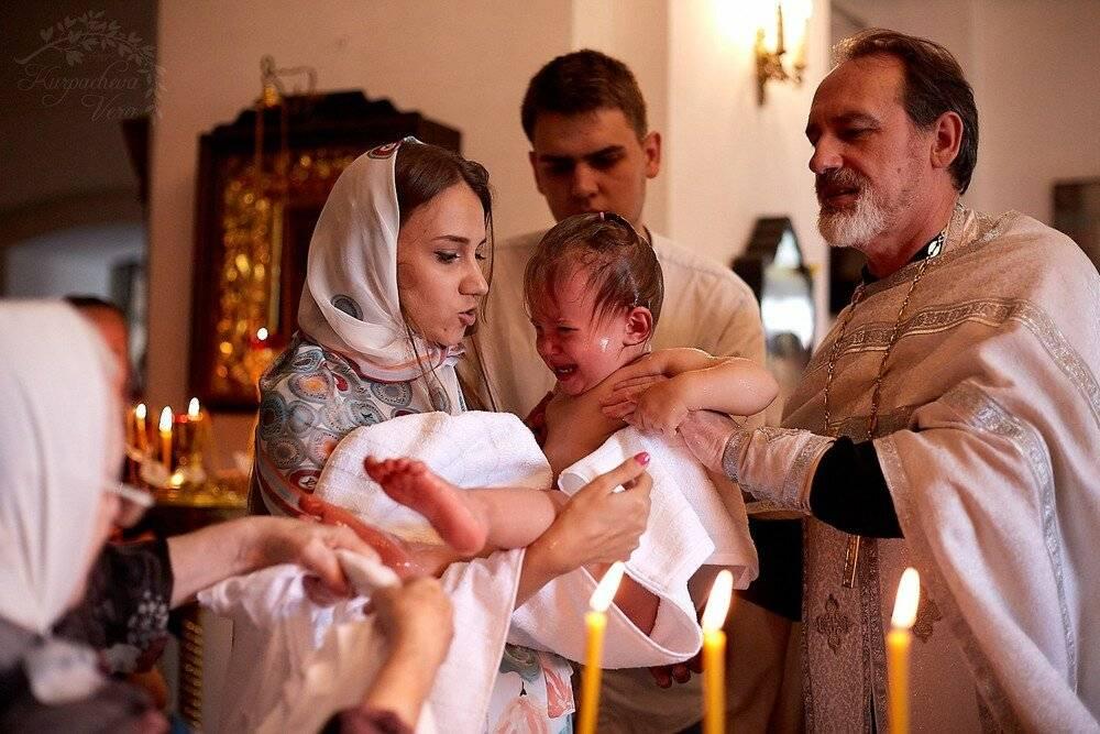 Обязанности крестных родителей