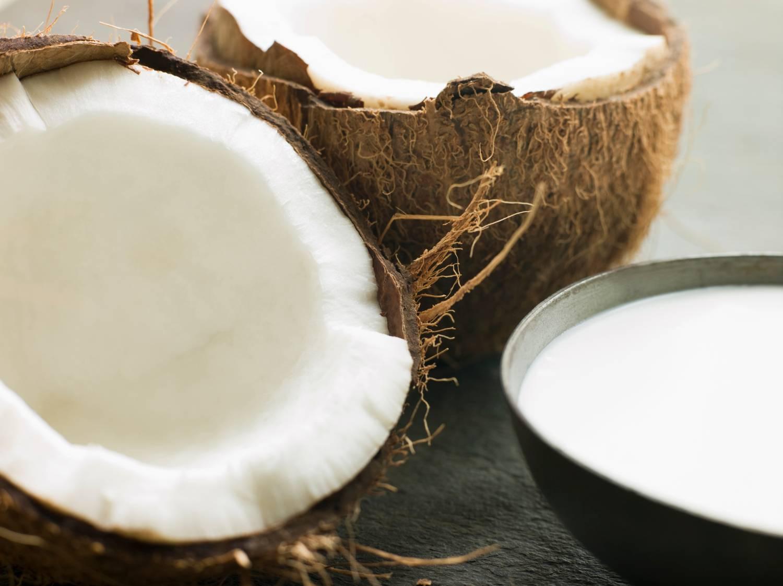 Кокосовое молоко польза и вред для организма человека