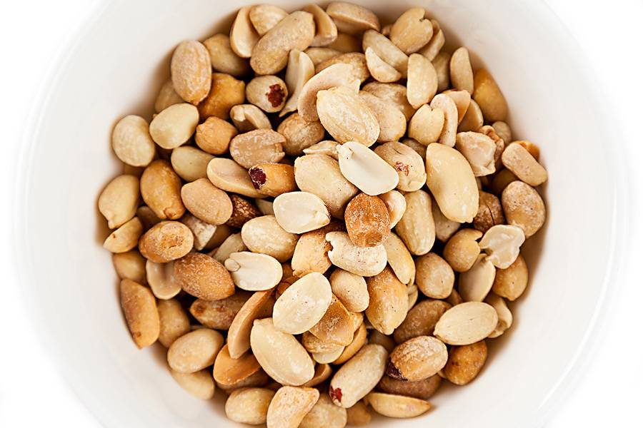 Какие орехи при грудном вскармливании можно женщинам? - мамсила