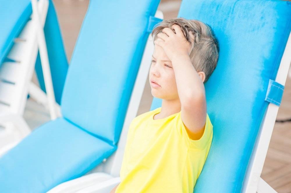 Тепловой удар у ребенка: симптомы, первая помощь и дальнейшее лечение