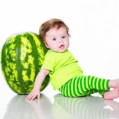 С какого возраста ребенку можно арбуз – сроки и нормы