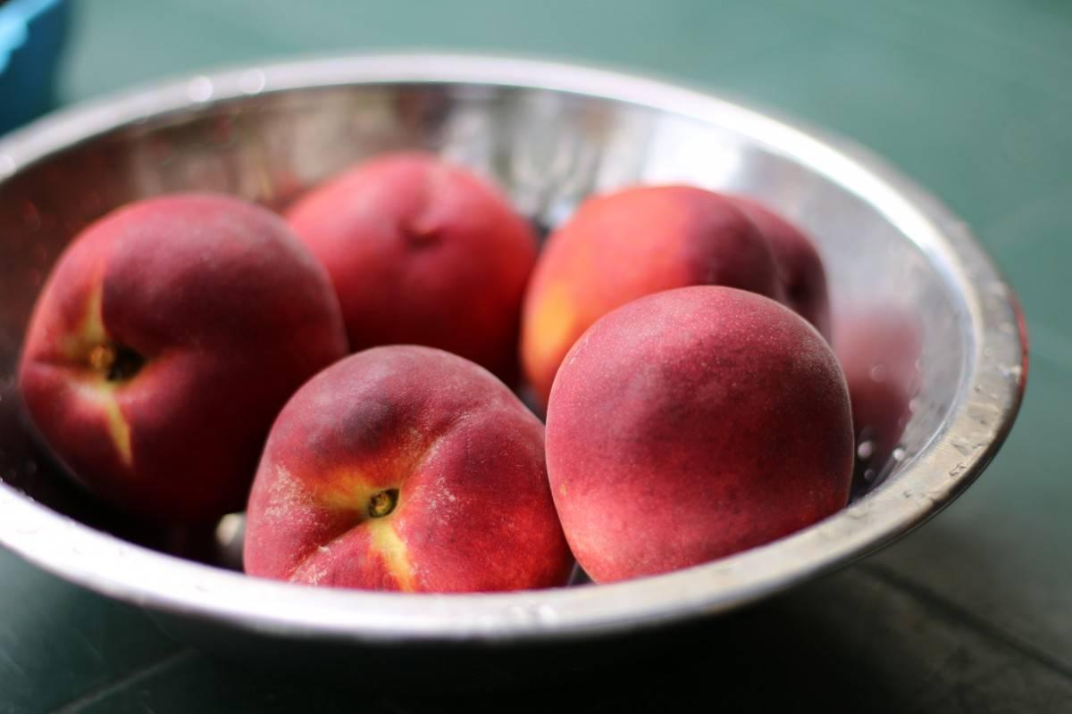 Персики (нектарины) при грудном вскармливании