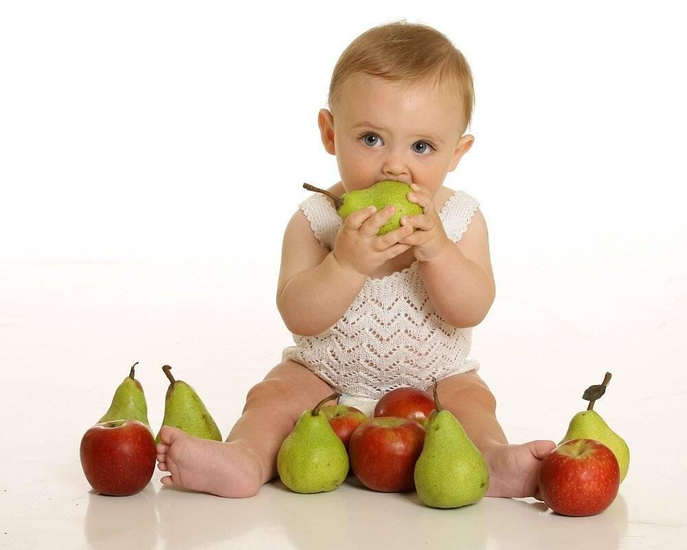 Арбуз − лакомство для малышей: с какого возраста его давать