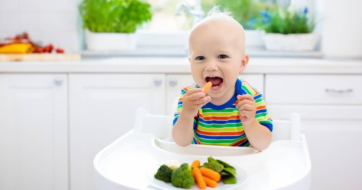 Как приучить ребенка кушать овощи и фрукты: советы и рецепты
