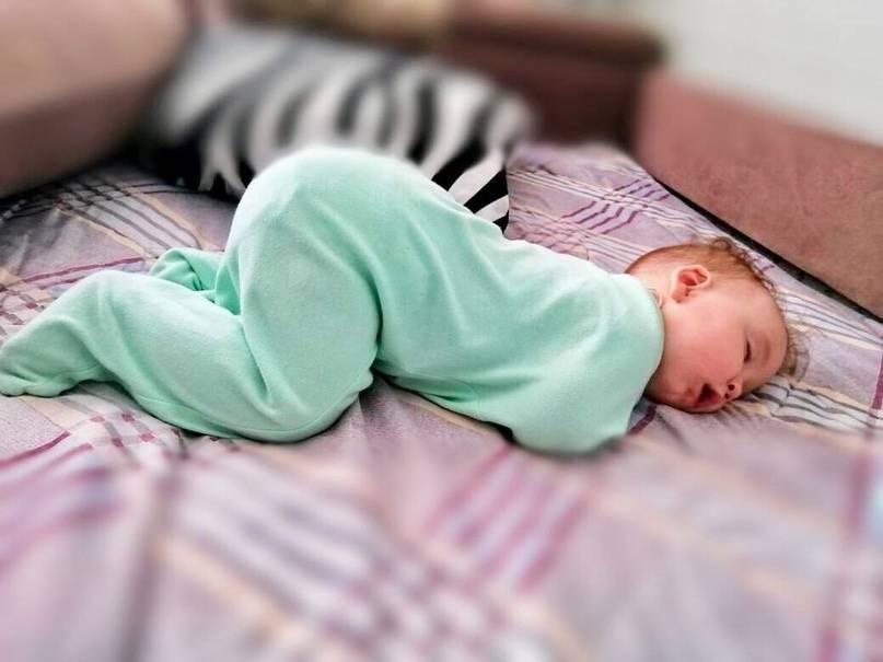 Можно ли лежать на животе во время беременности