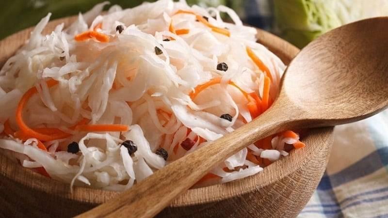 Капуста при грудном вскармливании: какую кушать в период лактации, можно ли есть свежую кормящей маме, когда при гв снимается запрет на некоторые виды растения? русский фермер