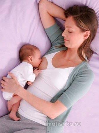 Время кушать: нужно ли будить грудничка?
